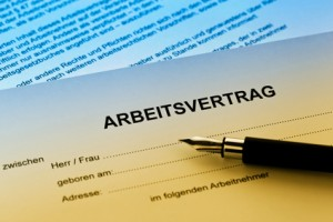 Employment law: contract of service -v- contract for service © Erwin Wodicka - Fotolia -